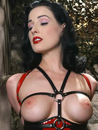 Dita Von Teese eposing her big boobs and nice pussy