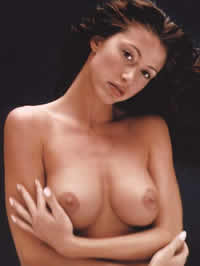 Shannon Elizabeth showing her amazing nude body