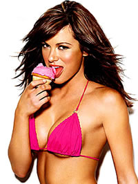 Danneel Harris showing her hot body