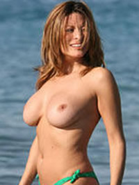 Rebecca Loos caught topless by paparazzi