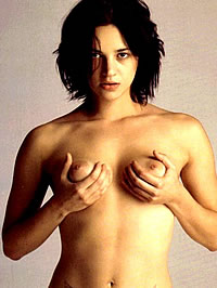 Asia Argento showing her nice pussy and ass