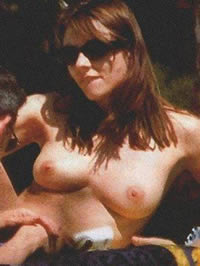 Elizabeth Hurley caught topless by paparazzi