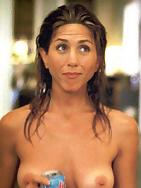 Jennifer Aniston Shows Her Nice Tits