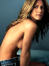 Jennifer Aniston Posing Topless