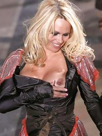 Pamela Anderson pararazzi and nude shots