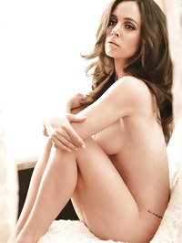 Eliza Dushku showing her hot nude body
