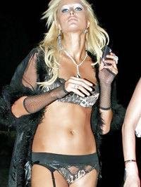 Paris Hilton paparazzi shots in hot lingerie