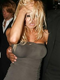 Pamela Anderson caught realy drunk