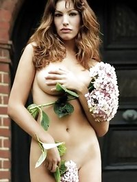 Kelly Brook Totaly Nude Outdoor