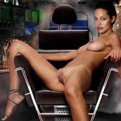 Nackt Sofia Jolie  Uma Jolie