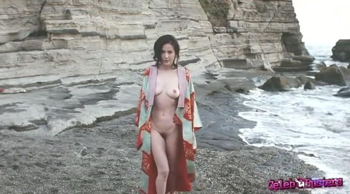 Nude big boob selfies