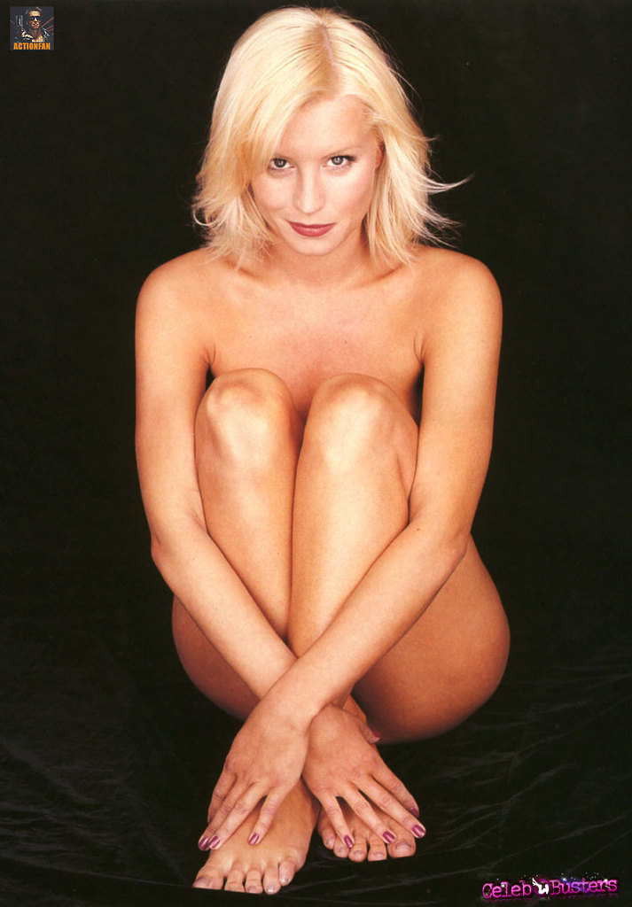 naked sexy blonde bubblebuts