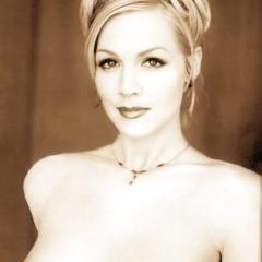 Jennie garth hot nude gallery