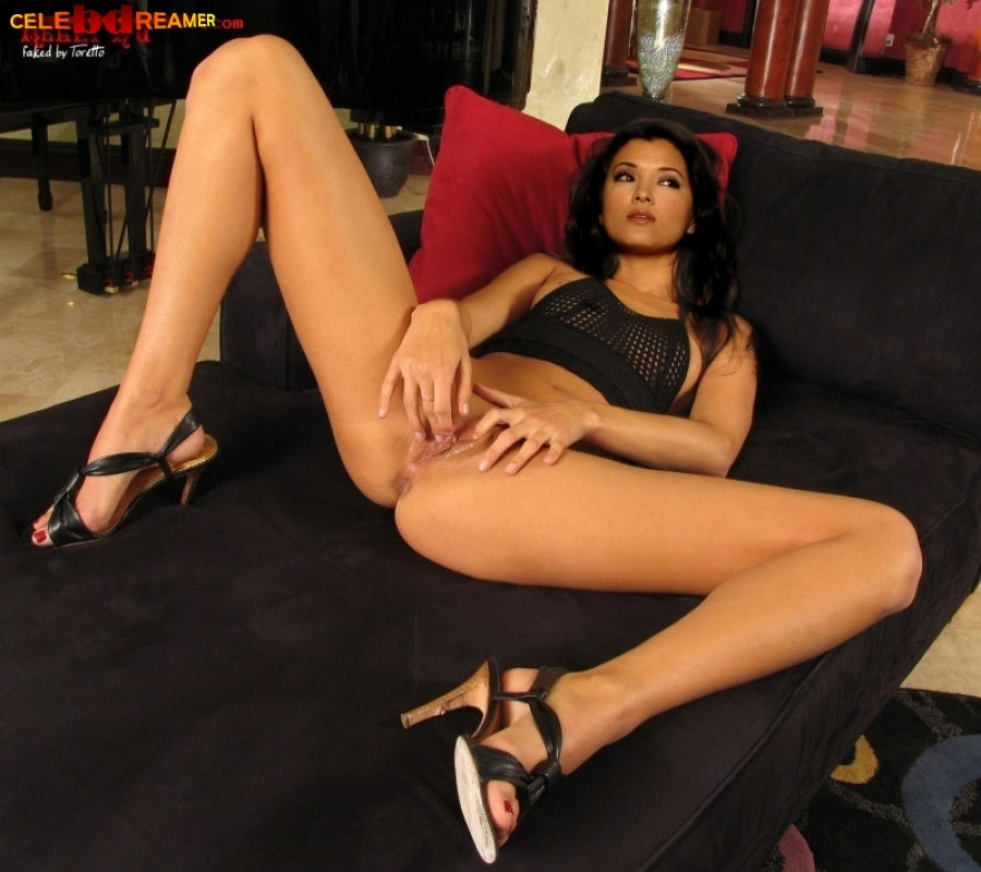 Nude naked kelly hu