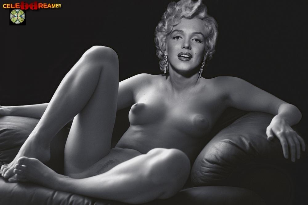 nude sexy ebony women posing