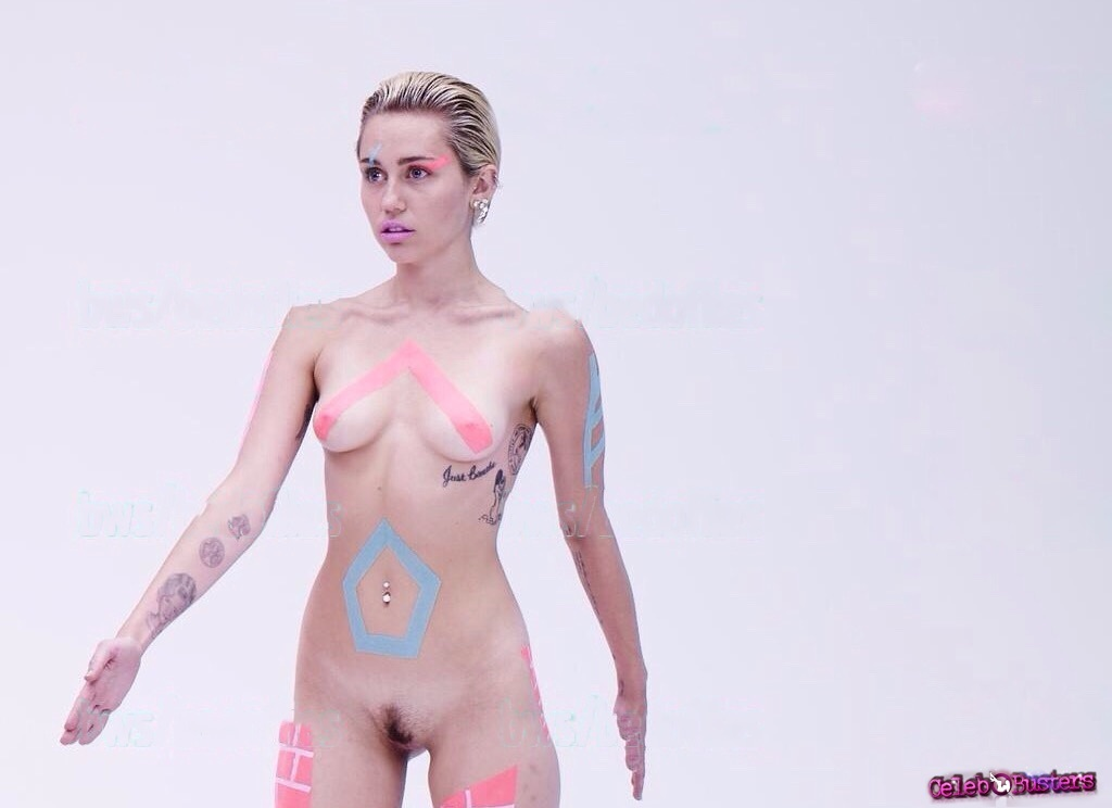 Miley cyrus nude backstage