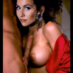 Minnie Driver nude