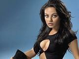 Mila Kunis shines her sexy body in the underwear