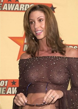 Top 20 Sexiest Paparazzi Photos Of Female Celebrities